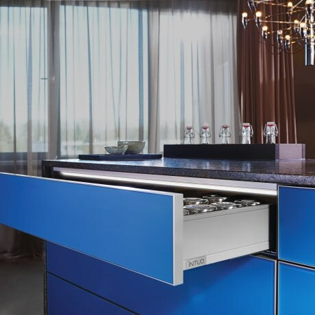 """LEGRABOX"" PULL-OUT AND GUIDANCE SYSTEM IN ORION GREY, ALUMINIUM FRAME WITH COLOR GLASS FILLING ""PACIFIC BLUE"", GLASS SURFACE WITH A MATT-SATIN FINISH"