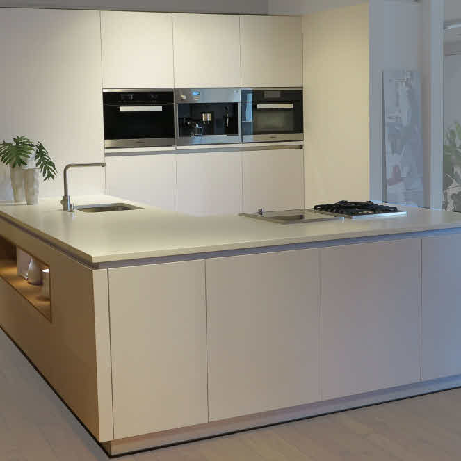 abverkaufsk chen sterreich. Black Bedroom Furniture Sets. Home Design Ideas