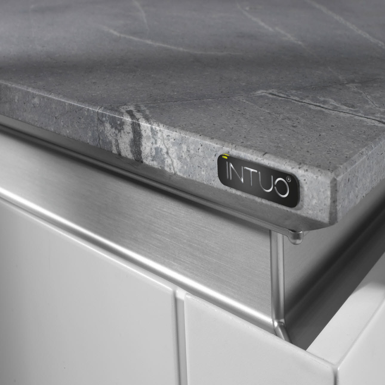 Thin worktop with bevelled edge