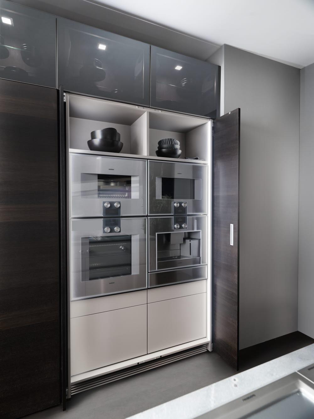 & INTUO - Tall equipment cupboard